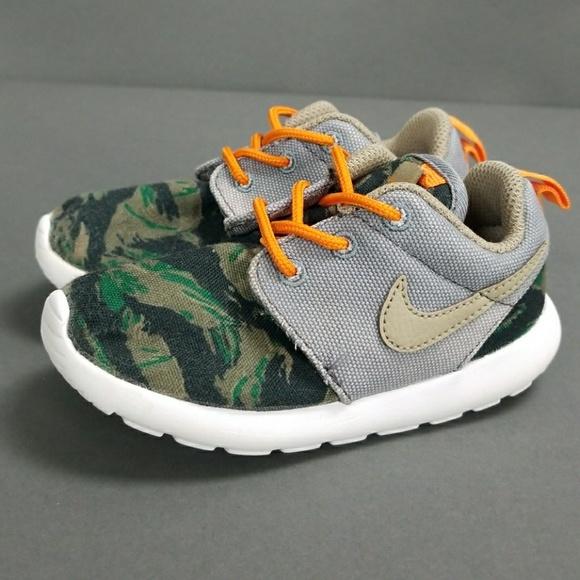 0550faef47692 Nike Roshe One Toddler Boy 8c. M 5a62a6fb6bf5a654a7173cd1